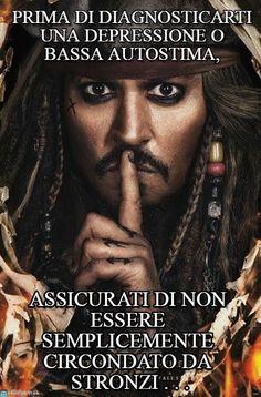 Poster Pirates of the Caribbean - dead men tell no tales - Captain Jack Sparrow - Johnny Depp - Disney - I'm in love Captain Jack Sparrow, Jack Sparrow Wallpaper, Jonny Deep, The Lone Ranger, Pirate Life, New Poster, Orlando Bloom, Film Serie, Dead Man