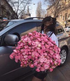 Girls With Flowers, Beautiful Flowers, Luxury Flowers, No Rain, Flower Aesthetic, My Flower, Pink Roses, Flower Arrangements, Pictures