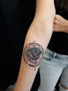 Eye and Compass By Diana Velásquez Whatsapp +573146091121 Medellin -Colombia  #eye #eyetattoo #compass #tatuajes #tattoogirl #tatuajesfemeninos #tat #ink #corvuxtattoostudio