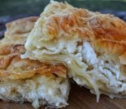 'Village' Cheesecake with Homemade Leaf (Video) Recipes – Sintayes.gr – πίτ… 'Village' Cheesecake with Homemade Leaf (Video) Recipes – Sintayes. Greek Recipes, Pie Recipes, Cooking Recipes, Macedonian Food, Cheesecake, Pastry Design, Happy Foods, Cookie Do, Recipe For Mom