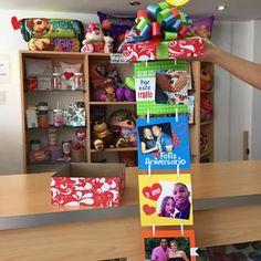 Nuestras cajas de fotos 📷 son trabajadas con vinil, cartulinas nacionales e importadas ✨ Te ofrecemos la mejor calidad de trabajo para tu regalo en ese día tan especial! #JoliandGift Diy Birthday, Birthday Gifts, Ideas Aniversario, Diy And Crafts, Arts And Crafts, Magic Party, Gift Store, Cool Gifts, Valentine Gifts
