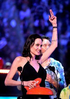 Pin for Later: Die besten Fotos der Kids' Choice Awards Angelina Jolie