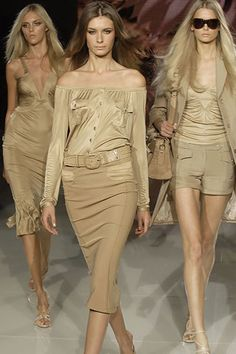 Versace Spring 2006 Ready-to-Wear Collection Photos - Vogue