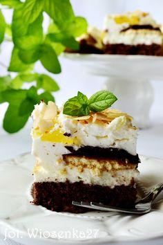 Ciasto z bitą śmietaną i delicjami