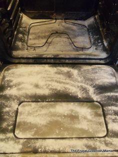 mix wat azijn met baking soda en laat de vettigheid je oven uitborrelen