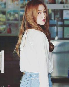 South Korean Girls, Korean Girl Groups, Rapper, Sistar, Red Velvet Irene, Girl Bands, Girl Day, Seulgi, Face Shapes