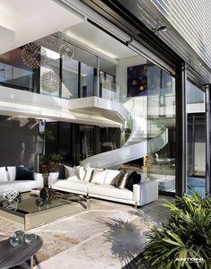 Casa de vidro moderna e espetacular!