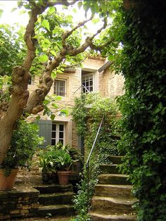 54 Ideas House Entrance Exterior Provence France For 2019 Beautiful Gardens, Beautiful Homes, Beautiful Places, Dream Garden, Home And Garden, Provence France, Peaceful Places, French Country, Country Style