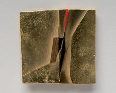 Othmar Zschaler  - Brosche, 1975  (Gold, Kunststoff - 46x46x4mm)