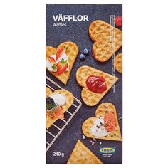 PANNKAKOR Pfannkuchen gefr - IKEA Deutschland Whipped Cream Desserts, Waffle Day, Crispy Waffle, Savory Waffles, Marinated Salmon, Vegetarian Side Dishes, Vegetable Side Dishes, Melting Chocolate, Holiday Recipes