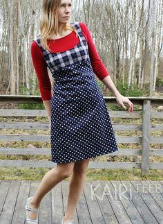 Täpiline pihikkleit / Navy polka dot dress