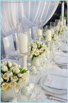 Tulips table setting