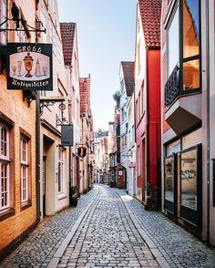 // Oh Bremen 🧡 you melt my kitschy heart — #bremermoment #bremenistschön #bremencity #hansestadtbremen #allthealleys #schnoor Beautiful Streets, Beautiful Places To Visit, German Architecture, City Architecture, Places Around The World, Around The Worlds, Places To Travel, Places To Go, Honeymoon Getaways