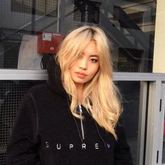 Find images and videos about girl and aesthetic on We Heart It - the app to get lost in what you love. Blonde Asian Hair, Bleach Blonde Hair, Dyed Blonde Hair, Brown Blonde Hair, Asians With Blonde Hair, Asian Hair Dyed, Hair Color Asian, Brunette Hair, Ulzzang Hair