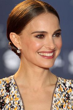 Natalie Portman dons a slick chignon for the opening ceremony of the Beijing International Film Festival, showing off diamond floral drop earrings. Nathalie Portman Style, Sleek Updo, Shave Her Head, Sleek Bob, Red Carpet Hair, Actrices Hollywood, International Film Festival, Beautiful Celebrities, Wedding Makeup