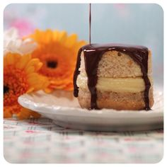 Cupcake Invertido de Banana com Recheio de Brigadeiro de Whisky | Vídeos e Receitas de Sobremesas