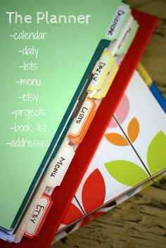 Masta Planna - I so need to make one of these to keep me organized.  Oh, I've tried before, but this.... this will help!