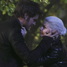 Why why Hook why? Why did you have to die?!? I mean I know why but why? :,,,,,, (