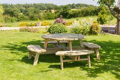 15+ Awesome Round Outdoor Picnic Table Ideas