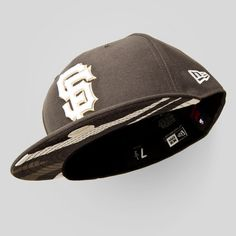 Upper Playground - SF Giants New Era Fitted Cap in Gray / Urban Camo