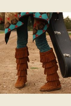 GUTHRIE MOCCASINS. Oh Santa Baby, Put these boots under the tree for Meeee !!!!