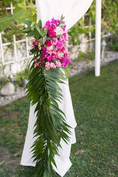 Tropical Palm Springs wedding | Wedding & Party Ideas | 100 Layer Cake