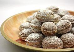 Plnene oriesky Christmas Desserts, Christmas Baking, Christmas Cookies, Czech Recipes, Polish Recipes, Sweet And Salty, Cupcake Cakes, Almond, Bakery