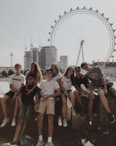 British Summer · Experiencias lingüísticas - Pubg about you searching for. Friend Group Pictures, Best Friend Pictures, Bff Pictures, Summer Pictures, Cute Photos, Friend Pics, Group Of Friends, Squad Pictures, Friendship Pictures