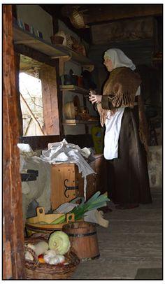 Wenn wir Museumsdörfer beleben, ergänzen wir die Einrichtung der Häuser mit eigenen Möbeln und Ausrüstungsgegenständen.