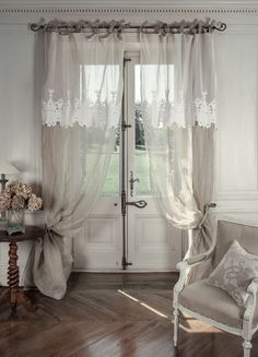 """Tenda velo in lino con mantovana """"Château"""" Mathilde M. Dimensioni: 140 x 300 cm. Spedizione Gratuita."""
