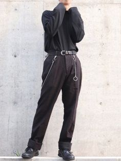 Grunge Guys, Fashion Shoes, Mens Fashion, Muse, Sick, Alcohol, Sweatpants, Fitness, How To Wear