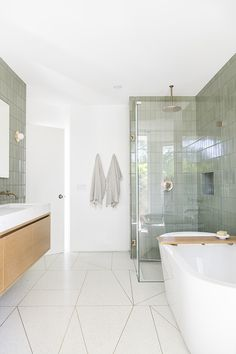 Jack and Jill Bathroom Picture Sarah Sherman Samuel Mandy Moore Jack & Jill Bathroom tour White Bathroom, Bathroom Wall, Master Bathroom, School Bathroom, Glass Bathroom, Bathroom Ideas, Bathroom Showers, Bathroom Designs, Bathroom With Shower And Bath