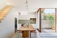 A Renovated Cottage Influenced By Traditional Japanese Architecture – Wish list for our home - architecture house Australian Architecture, Japanese Architecture, Australian Homes, Interior Architecture, Sustainable Architecture, Interior Design, Tropical Architecture, Pavilion Architecture, Design Interiors