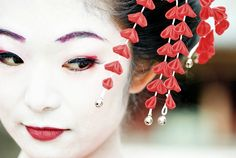 #Geisha Geisha, Halloween, Make Up, Crown, Earrings, Accessories, Jewelry, Ideas Para, Origami