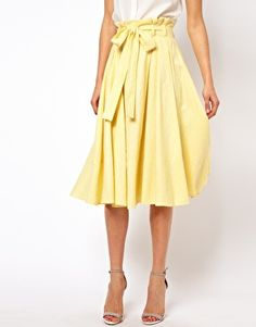 MADEMOD | Linen Midi Skirt with Belt | ASOS. Really like the length + the heels!! <3
