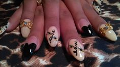 Black and nude acrylic nails by jozy