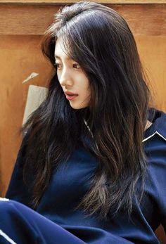 Suzy Bae (Miss A) - Urbanlike Magazine Pics Bae Suzy, Korean Haircut Long, Miss A Suzy, Idole, Korean Beauty, Asian Beauty, Korean Girl Groups, Asian Girl, Asian Ladies