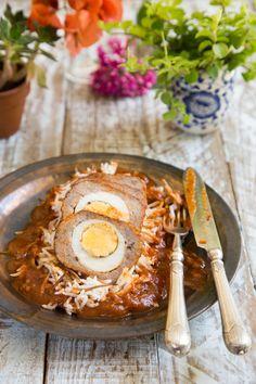 קלופס בשר טחון ממולא בביצים