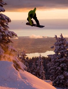 Snowboarding at Mount Seymour - BC - North Vancouver