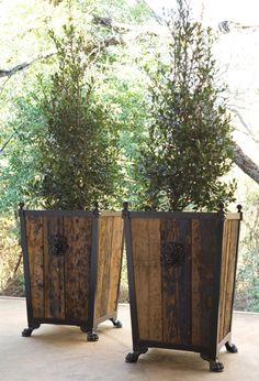 These planters are made from pallets and are only sold to wholesalers. I am going to make these myself using old pallets and dress them up with feet, etc. 21.5 inches sq. x 33 inches high.