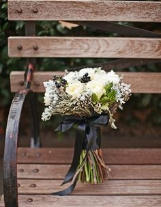 110 Unique And Beautiful Winter Wedding Bouquets You'll Love