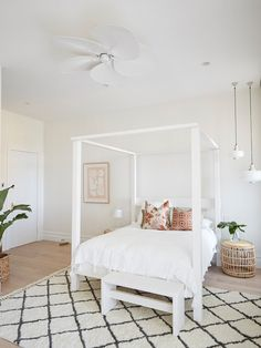 Andy and Deb have transformed House 3 on The Block 2019 into a contemporary coastal chic abode. Take the grand tour. Guest Bedrooms, Master Bedroom, Timber Battens, Beach House Decor, Home Decor, Beach Houses, Formal Living Rooms, Decoration, Grand Tour