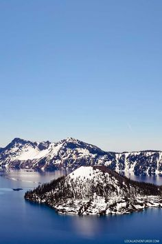 Crater Lake National Park + 15 Popular Weekend Getaways from Portland Oregon // localadventurer.com