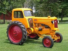 These are 25 of the most beautifully restored classic tractor we could find. These classic tractor will take you back to a simpler time. Chevy Trucks Older, Lifted Cars, Lifted Chevy Trucks, Lifted Ford Trucks, Pickup Trucks, Antique Tractors, Vintage Tractors, Old Tractors, John Deere Tractors