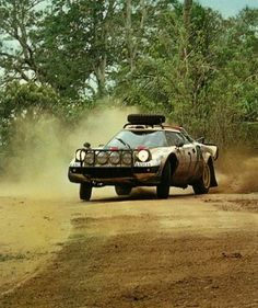 '80 Lancia Stratos safari rally - Sandro Munari with Lofty Drews?