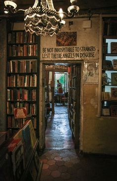 Shakespeare and Co Paris / beautiful bookshops