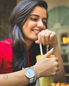 Beautiful Girl Image, Beautiful Women, Alia Bhatt Photoshoot, Photo Poses For Boy, New Wife, Stylish Sarees, Stylish Girl Images, Beauty Full Girl, Beautiful Watches