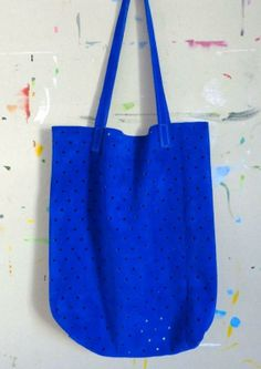 This striking blue tote is a pretty great way to show your Seahawks pride <3 Made in Seattle by Pine & Boon