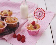 Muffins mit Himbeeren und Bananen & Honigglasur