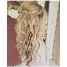 Lovely Chic wedding hairstyles for long hair. From soft layers, braids & chignons, to half up half down hairstyles, there are many options for brides to consider. The post Chic wedding hairs .. #weddinghairstyles